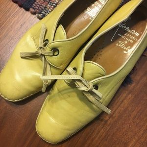 AMAZING yellow vintage Italian leather oxfords